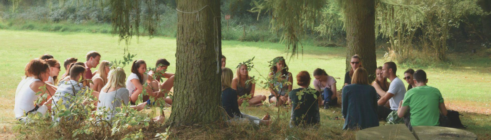 Teilnehmer des Sommerjung Camps einem Ferienlager für Erwachsene